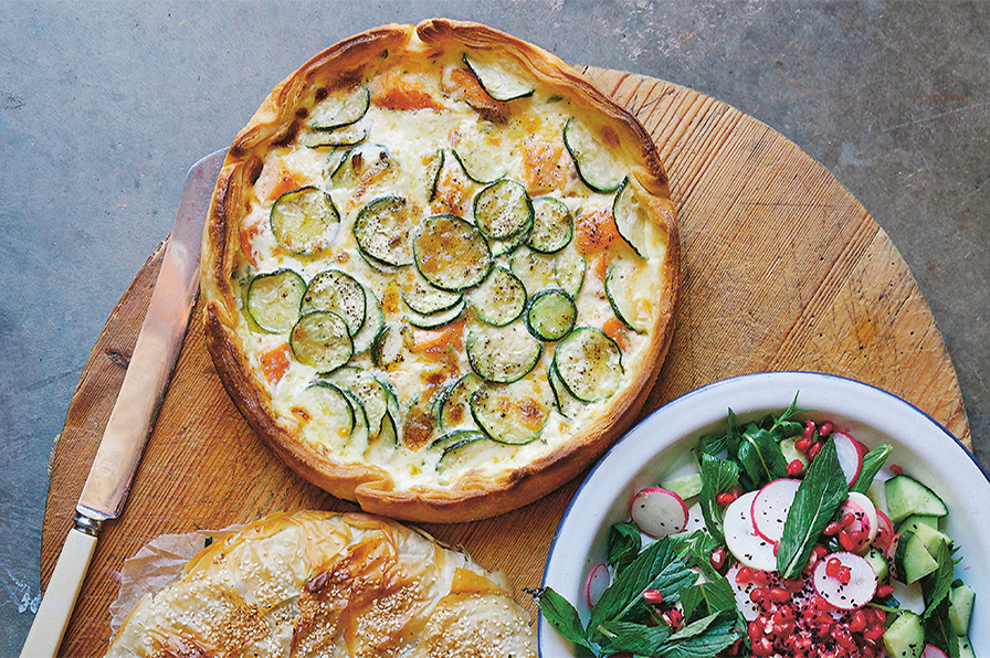 HOT SMOKED SALMON AND ZUCCHIINI TART - SPINACH TART AND RADISH SALAD
